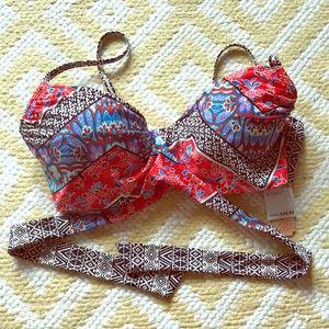 NWT Gianni Bini wrap bikini top.